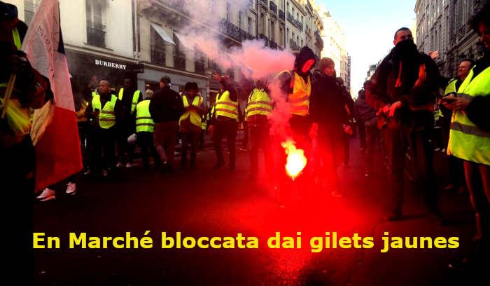 gilets jaunes contro Macron
